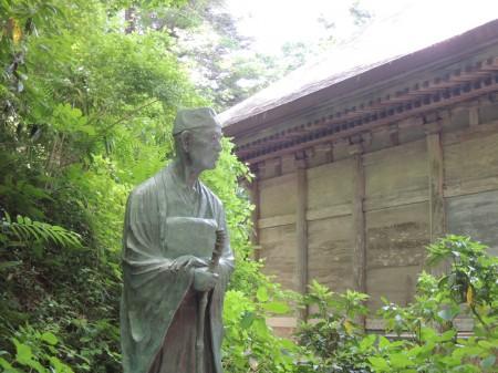 中尊寺にある芭蕉像