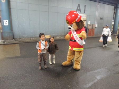 市場がある茨木市消防のマスコット「ラッキー」
