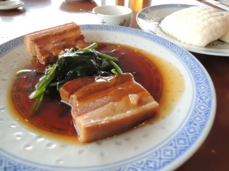 トンポーロウ(豚の角煮) 口にふくむと滋味がジュワ~ッと溶け出す