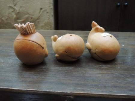 左から楊枝くん 胡椒ちゃん 塩っち でクジラ三兄弟