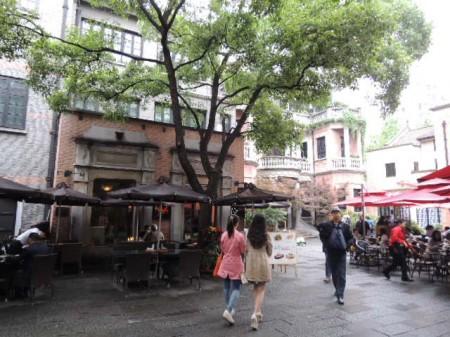 雨降りの平日ということで、観光客は少なめ